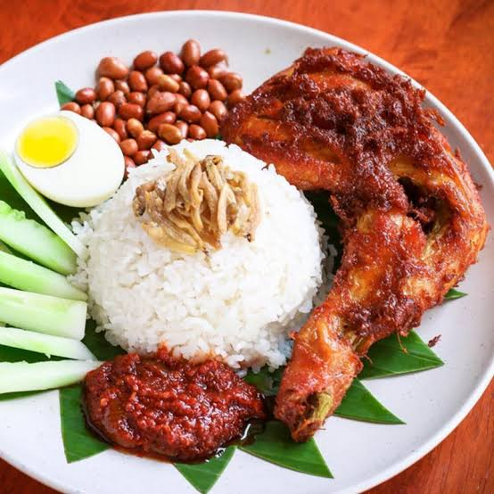 Pre-order our famous Chicken Nasi Lemak for this Sunday.  预订这个星期天的马来西亚鸡肉椰浆饭。